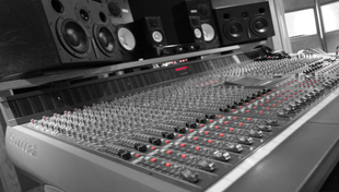 Soundcraft 32 Channel Mixing Desk